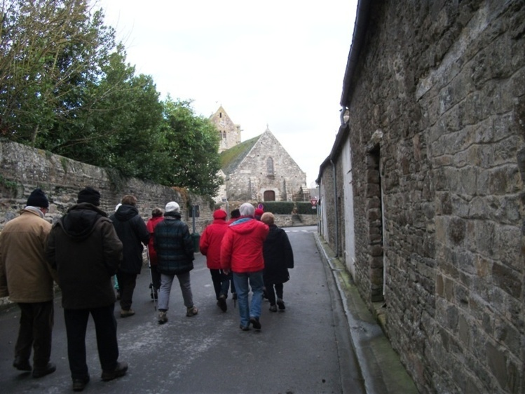 Une pittoresque ruelle en direction de l'église