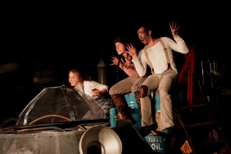 "Le 23 juillet 2014, spectacle de rue à 18h à la cale : ""Space Turkey"""